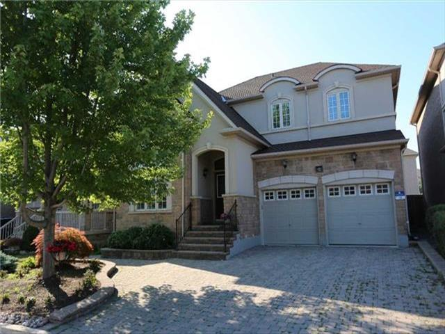 10 River Valley Cres