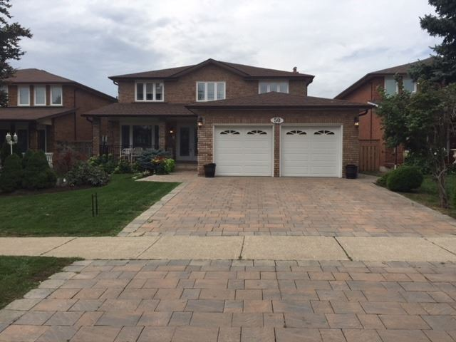 50 Looking Glass Cres