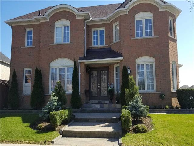 7 Mountcharles Cres
