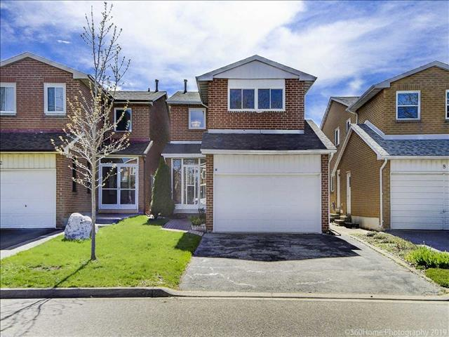 10 Royal Colwood Crt
