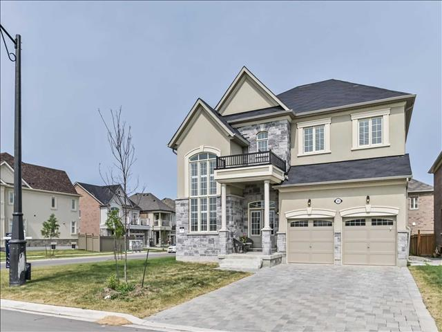 105 Ross Vennare Cres