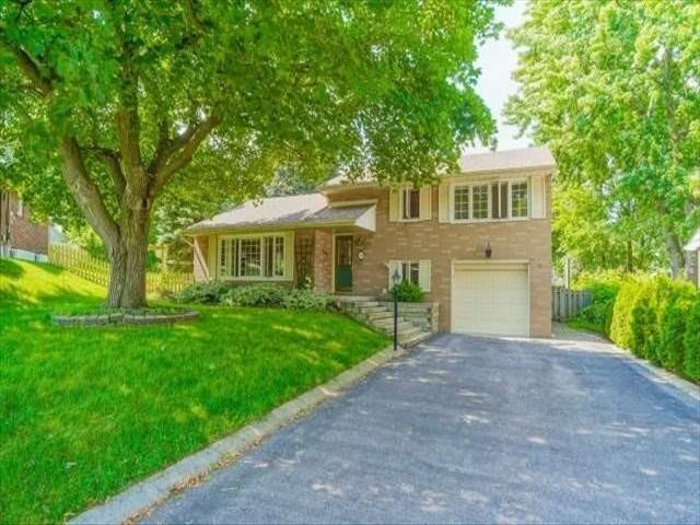 14 Strathroy Cres