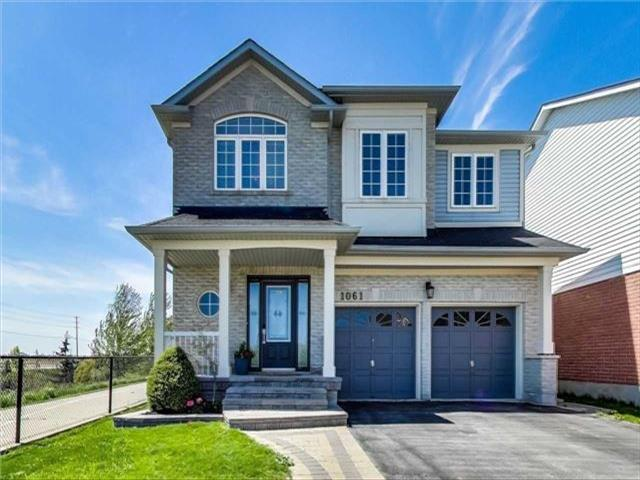 1061 Easterbrook Cres