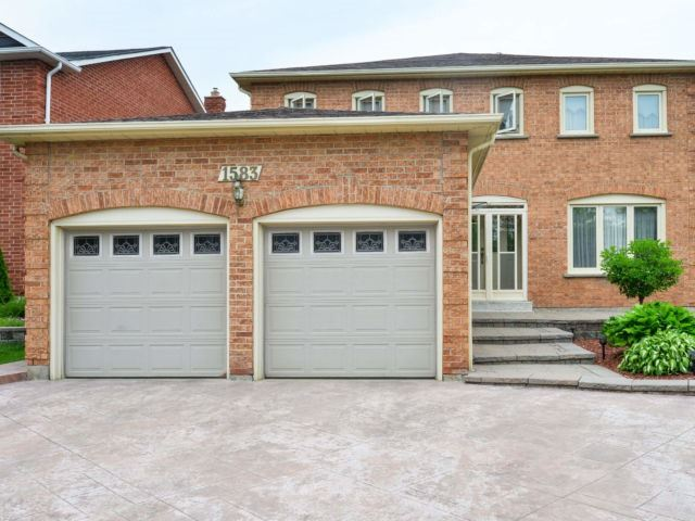 1583 Stancombe Cres