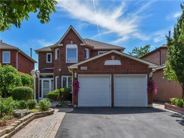 1624 Moongate Cres
