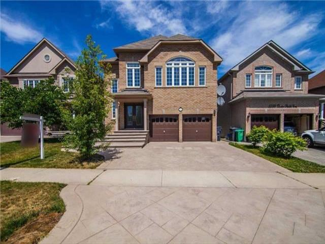 5584 Doctor Peddle Cres