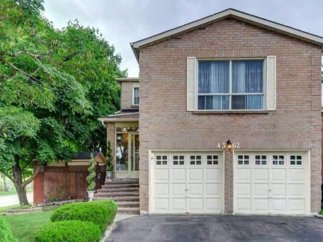 4362 Waterford Cres