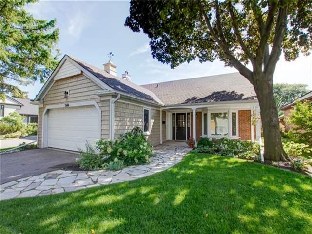 2466 Claymore Cres