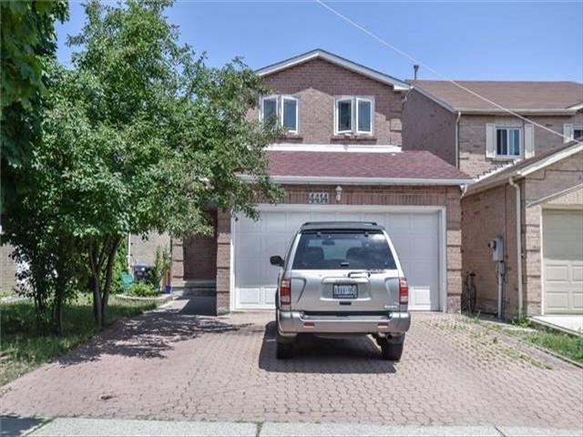 4414 Waterford Cres