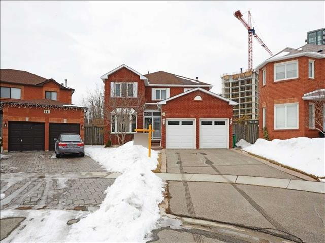 439 Greenpark Cres