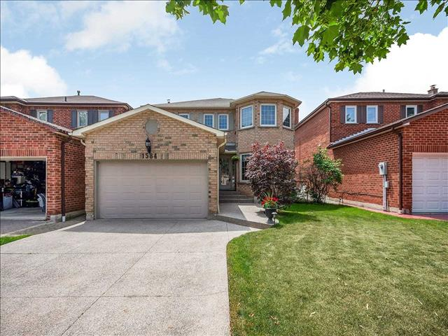 1584 Stancombe Cres