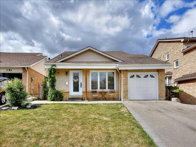 2774 Quill Cres